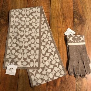 Coach glove and scarf set with tags never worn.